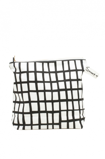 cut out black square wash bag